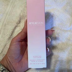Kylie Jenner Hydrating face mask